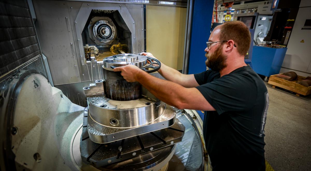 Simmons Machinist preparing for 5-axis machining